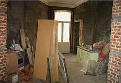 Eigen huis dat gerenoveerd en verbouwd wordt.
